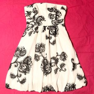 NWT WHBM Strapless White Black Floral Dress